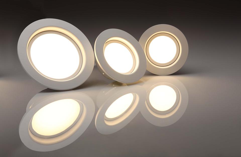Plafoniere Led Per Scale Condominiali : Lampade a led per scale condominiali illuminazione esterni